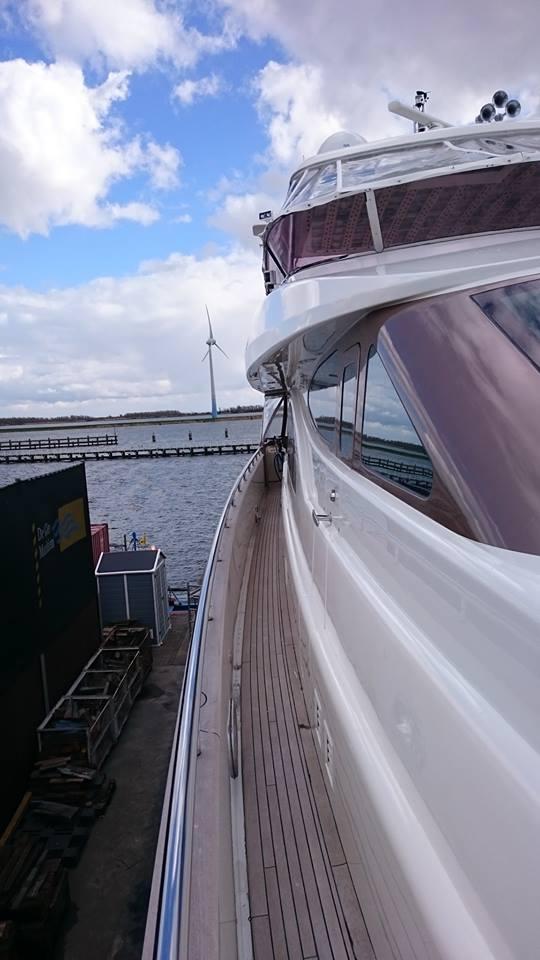 Yacht professioneel polijsten
