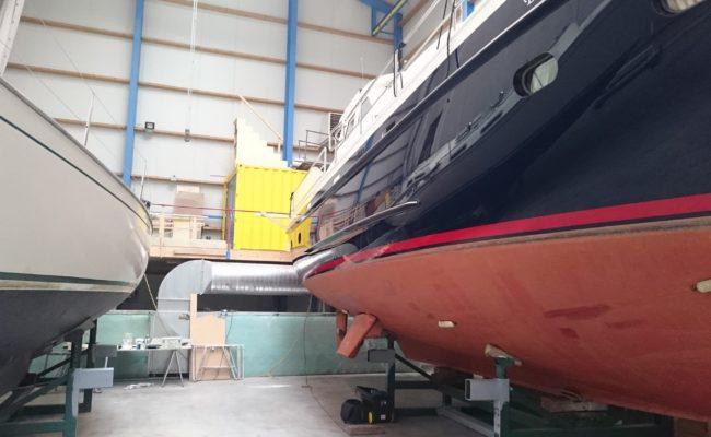 Boot professioneel laten polijsten